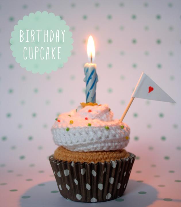 1 Cupcake de (mi) cumpleaños   I am a Mess Blog