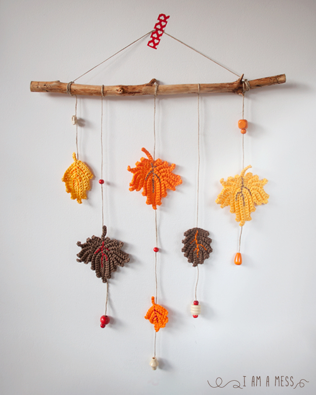C mo hacer paso a paso un m vil de decoraci n con hojas de ganchillo - Decorar hojas de otono ...