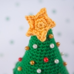 "Christmas tree pincushion by ""I am a Mess"""