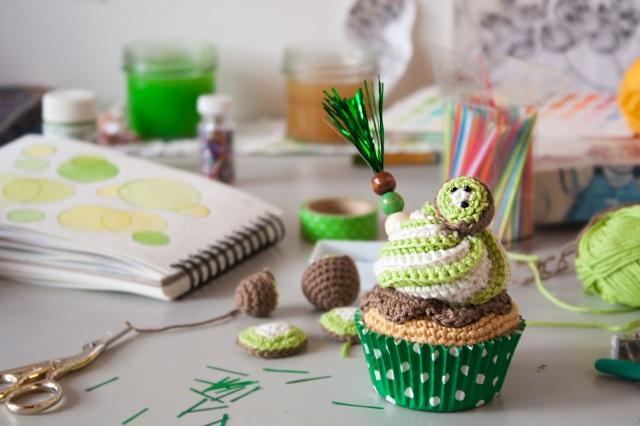 Kiwi Corchet Cupcake by