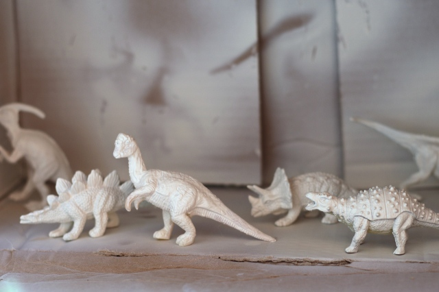 """DIY dino markers by """"I am a Mess"""""""
